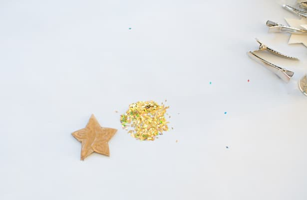 Hello wonderful make glitter hair clips for Paper star cut out template