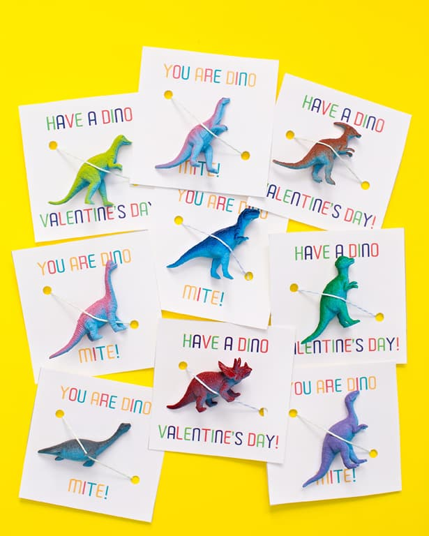 AWESOME DINOSAUR VALENTINE FAVORS WITH