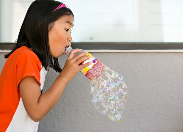 Recycling Plastic Blower : Hello wonderful diy recycled bottle bubble blower