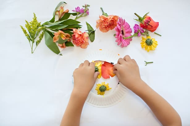 8 diy flower suncatchers kids