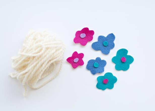 Finger Knitting Flowers : Hello wonderful diy finger knit flower crown and