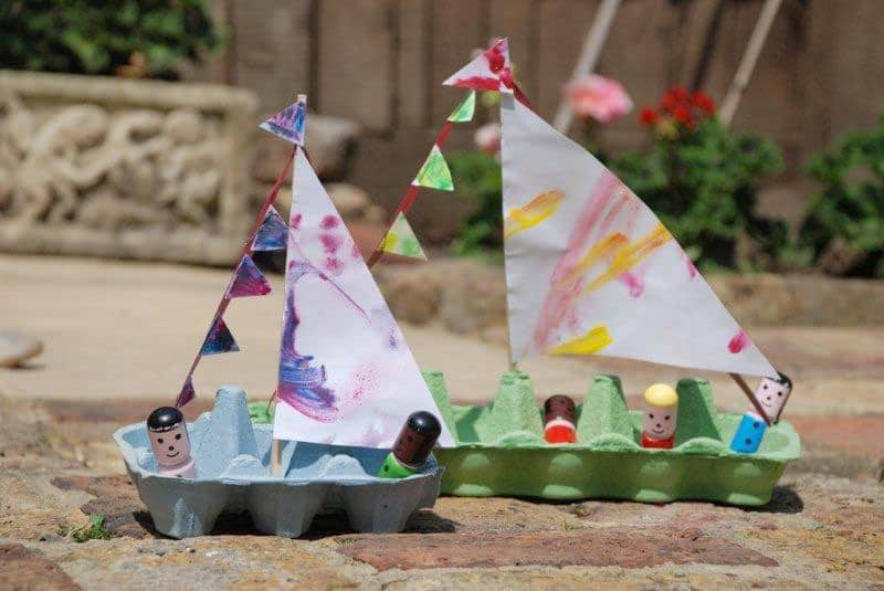 Hello wonderful 10 delightful and easy boat crafts for Easy recycled materials projects