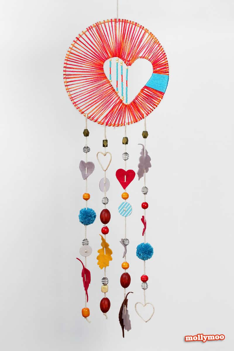 Hello wonderful 10 creative heart crafts for kids for How to make dreamcatcher designs