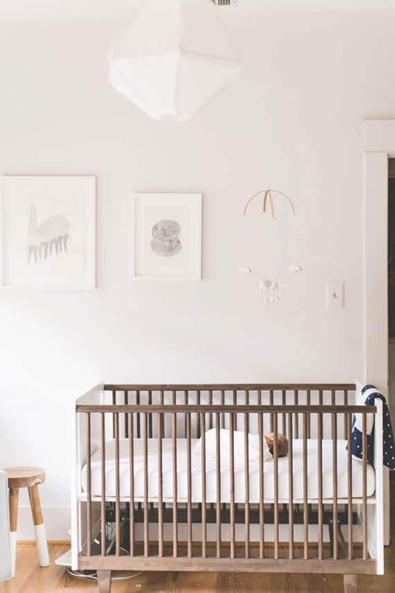 Hello wonderful 8 chic white and neutral nurseries for Simple nursery design