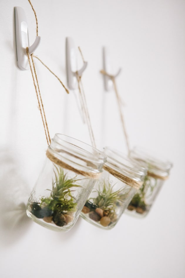 Hello wonderful 11 bright and cheerful indoor plant ideas for Ways to hang plants inside