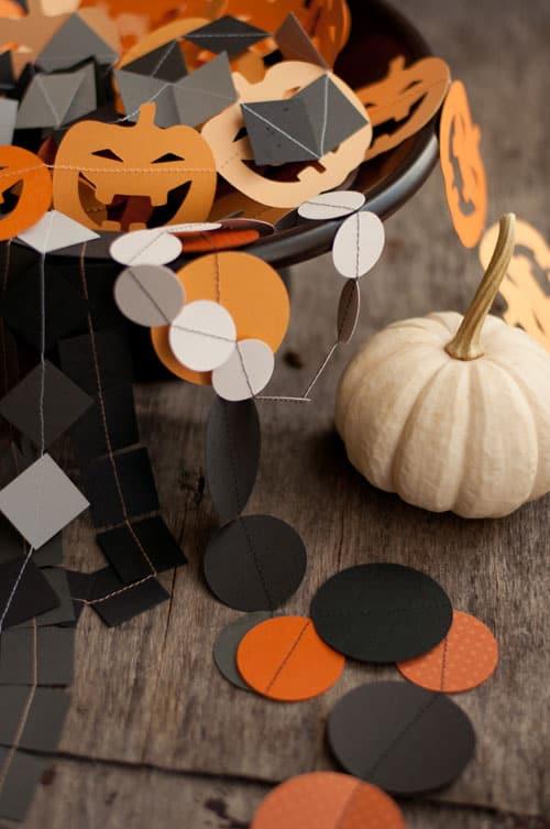 Paper halloween garlands 1