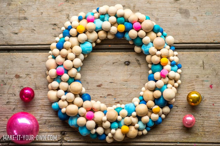 http://www.hellowonderful.co/ckfinder/userfiles/images/WoodenBeadWreath(1).jpg