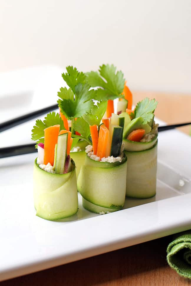 Veggie Sushi Rolls (via In Sonnet's Kitchen )