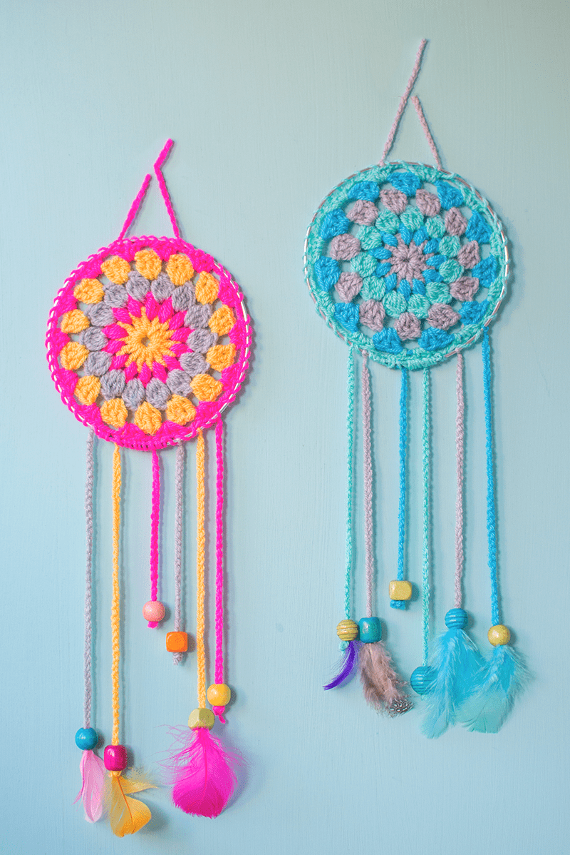 Hello wonderful 12 darling crochet toys to make for for Dream catchers how to make them
