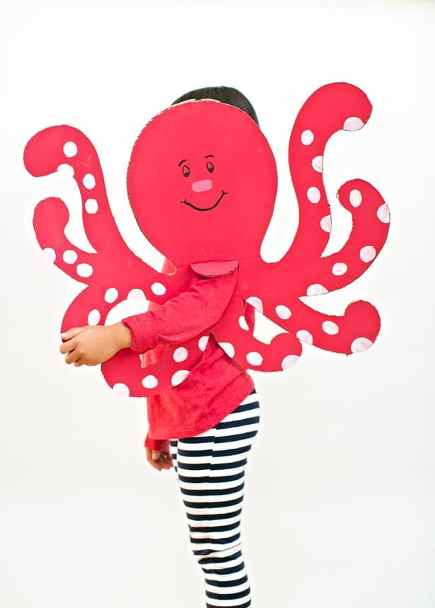 Костюм осьминога из бумаги своими руками